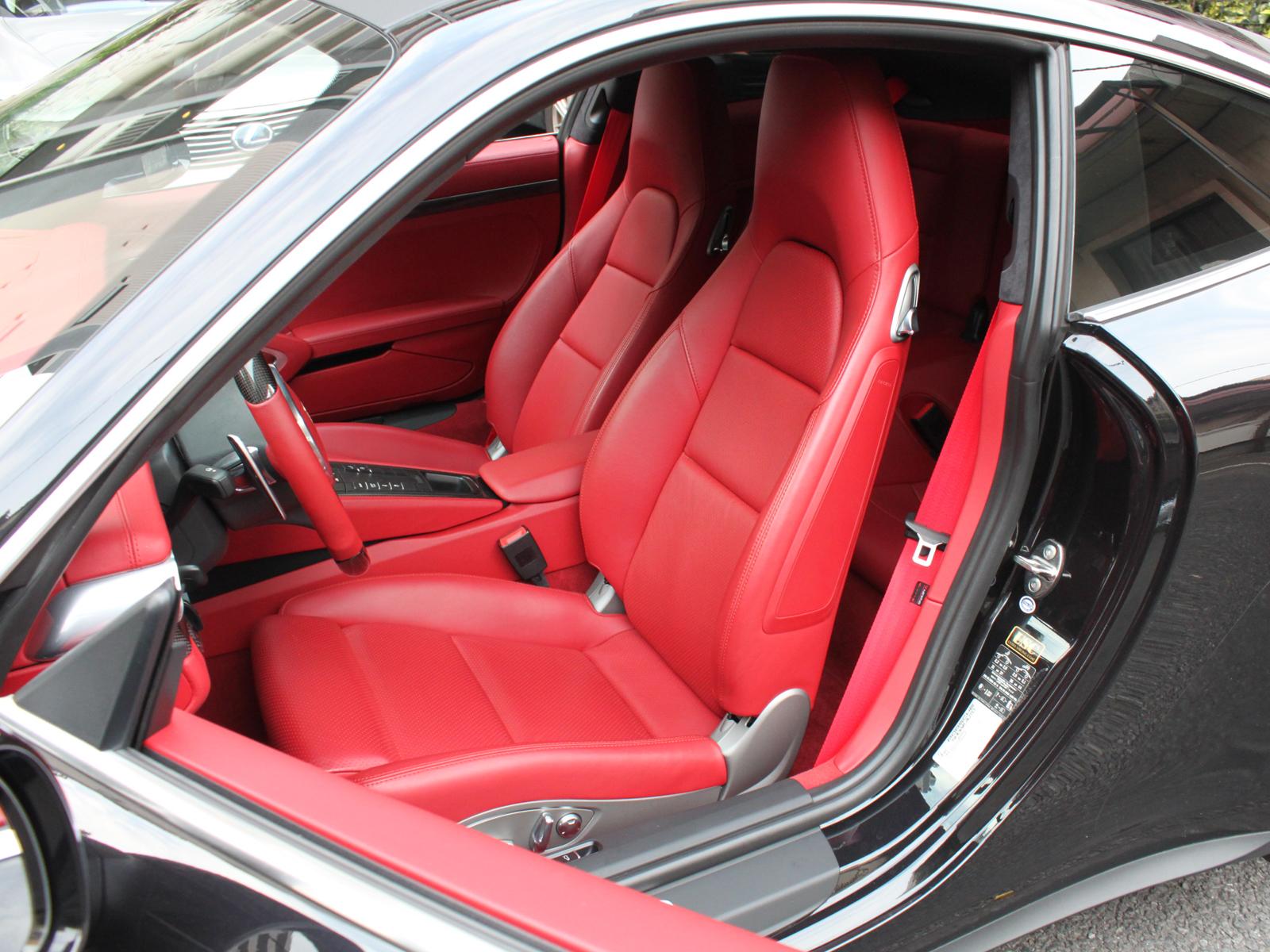 911 Carrera 4Sリッチライン