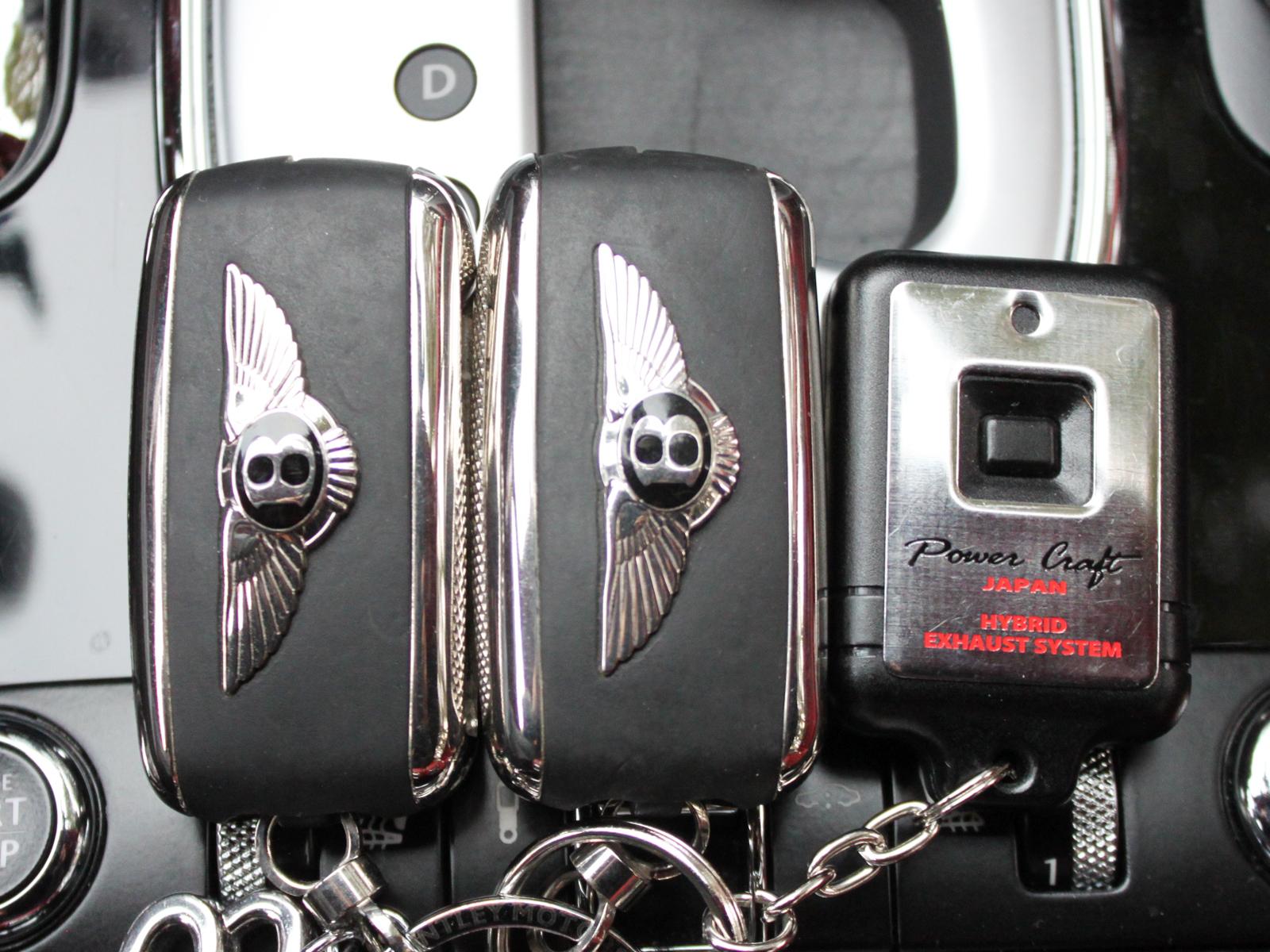 CONTINENTAL GTC WALD Black Bisonリッチライン