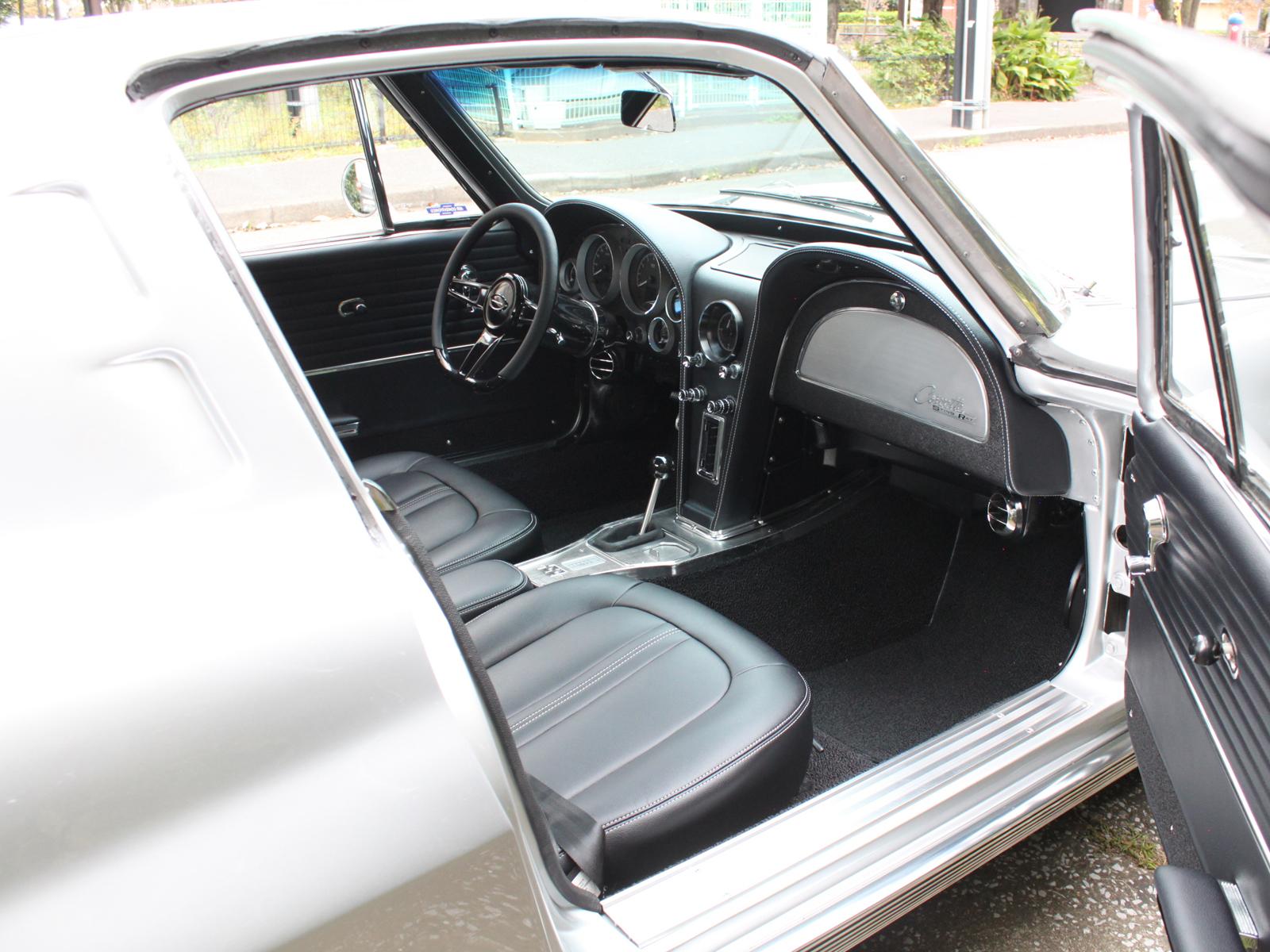 Corvette Sting Ray C2 Split Windowリッチライン